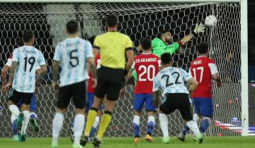 Imagen de Copa América: Argentina debutó con un empate ante Chile