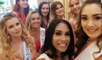 Imagen de La costera Miss Mundo Buenos Aires en un concurso de belleza en China
