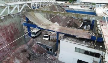 Imagen de Mar del Plata: se derrumbó el techo de un depósito municipal y aplastó a 40 vehículos