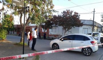 Imagen de Chocaron un auto y una moto en Dolores: una persona debió ser hospitalizada