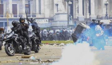 Imagen de Incidentes en el Congreso dejan al menos 27 detenidos y 11 heridos