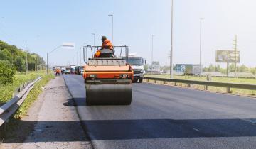 Imagen de Pensando en la temporada de verano arrancó la repavimentación de la Autovía 2