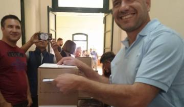 Imagen de Así votaba el candidato Facundo Celasco en Dolores