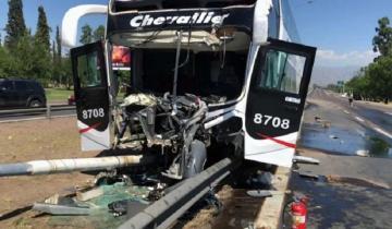 Imagen de Otro accidente en la ruta con un micro de pasajeros: hay 20 personas heridas