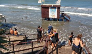 Imagen de Se registran inconvenientes por la crecida del mar en la Costa Atlántica
