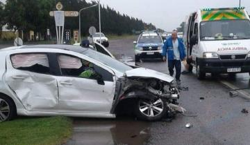 Imagen de Despiste, choque y vuelco en accidentada jornada en la Ruta 2
