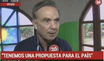 """Imagen de Cuando Miguel Pichetto visitó Mar de Ajó este verano: """"Con Macri perdimos el rumbo"""""""