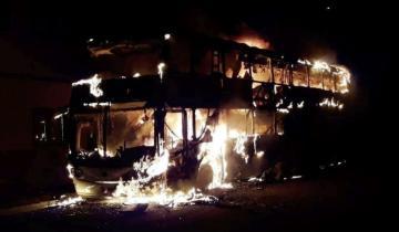 Imagen de Un micro se incendió en San Clemente del Tuyú