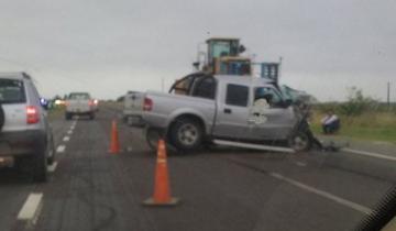 Imagen de Una Ford Ranger chocó en la Autovía 2 a un camión: un herido