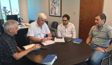 Imagen de Firmaron convenio con Absa en General Guido