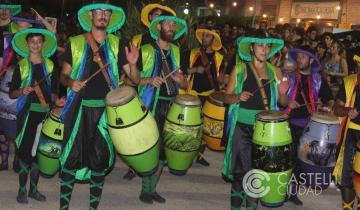 Imagen de El Carnaval de Castelli se celebró a todo color