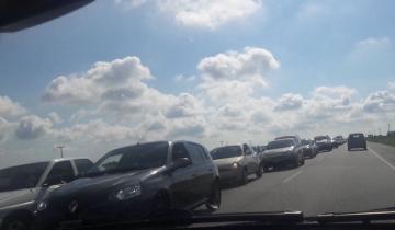 Imagen de La Ruta 11 sigue colmada de turistas y el tránsito es muy lento