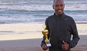 Imagen de El atleta de Kenia que corre todos los veranos en La Costa