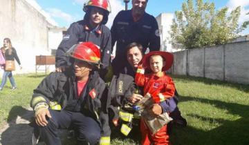 Imagen de El mejor regalo de cumple de un niño que sueña con ser bombero