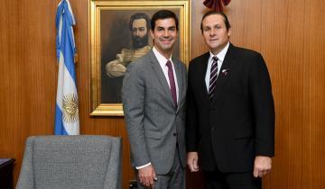 Imagen de Etchevarren fue recibido en Salta por el gobernador Urtubey