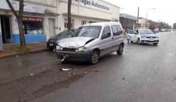 Imagen de Dos vehículos protagonizaron un fuerte accidente en Dolores