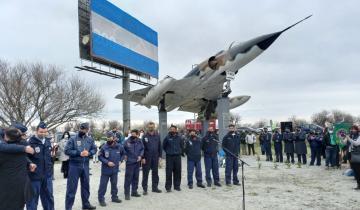 Imagen de Profunda emoción en la inauguración de un monumento en honor de Gustavo García Cuerva, caído en Malvinas