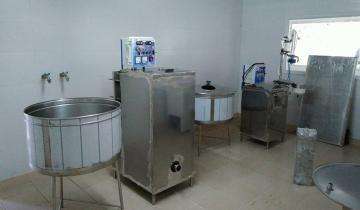 Imagen de La Escuela Agraria de Dolores avanza en la producción de leche en sachet