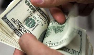 Imagen de El dólar cayó casi 60 centavos y cerró la semana con una baja de casi 2 pesos