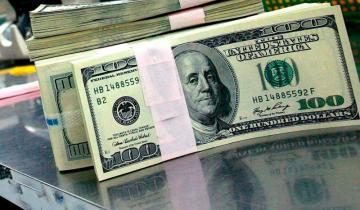 Imagen de Tras dos ruedas sin actividad, el dólar subió y cerró a casi 43,70 pesos