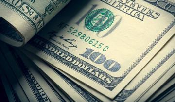 Imagen de El dólar volvió a caer casi un 4% y cerró cerca de los $39