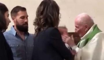 Imagen de Un cura golpeó a un bebé durante la ceremonia de bautismo porque no paraba de llorar