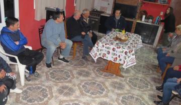 Imagen de Qué pidieron los vecinos que recibieron la visita del intendente Etchevarren