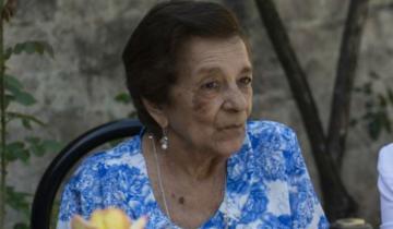 Imagen de Una mujer de 90 años terminó la primaria y Vidal la visitó