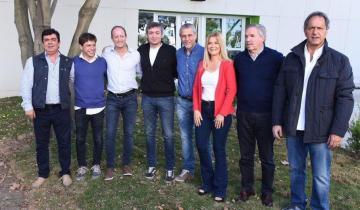 Imagen de Todos unidos contra Macri:  el peronismo reunió a todos sus candidatos a la gobernación