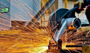 Imagen de En picada: industria y construcción acumulan una caída del 8% en 2019