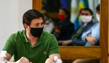 Imagen de Coronavirus: tras pasar los 400 contagios, el intendente Martín Yeza confirma que a Pinamar le quedan seis respiradores disponibles