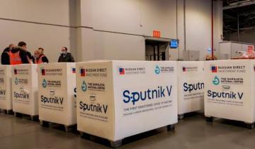 """Imagen de Coronavirus: se autorizó con """"carácter de emergencia"""" el uso de la vacuna Sputnik V a horas de su llegada al país"""