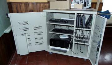 Imagen de Se realizaron mejoras integrales, instalación de internet satelital y entregas de kits en escuelas rurales del Tordillo