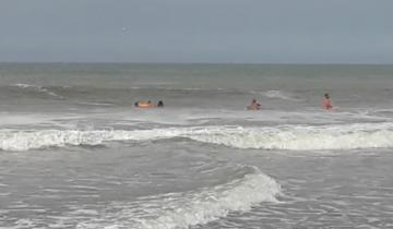 Imagen de Guardavidas protagonizaron un rescate múltiple en Mar de Las Pampas