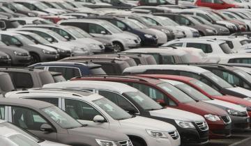 Imagen de La compra de autos 0 Km con financiamiento cayó 47,7% en noviembre