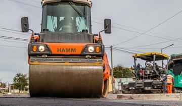 Imagen de Cuáles son las calles en las que se realizan trabajos de asfalto y luminaria en Mar de Ajó