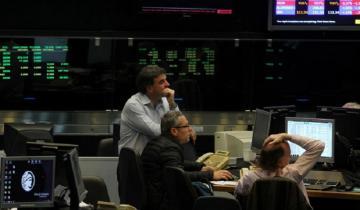 Imagen de El dólar sigue estable pero el Riesgo País llegó al valor más alto de la era Macri