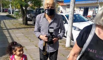 """Imagen de Dolor en el Partido de La Costa por el fallecimiento de """"Fotolín"""", histórico fotógrafo de Santa Teresita"""