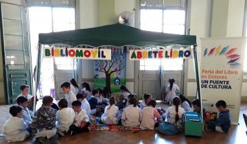 Imagen de Dolores: la Bibliomóvil Ábrete Libro recibió un premio latinoamericano por su tarea de difusión de la lectura