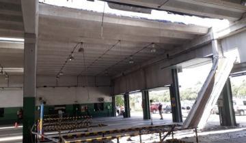 Imagen de Insólito: se desplomó el techo de la VTV de Mar del Plata en Batán y los empleados siguieron trabajando