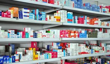Imagen de Rebajan el precio de los medicamentos un 8% y lo congelan hasta el 1 de febrero