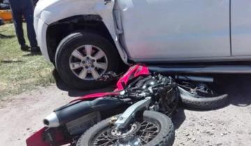 Imagen de Dos jóvenes murieron a raíz de un choque entre una moto y una camioneta