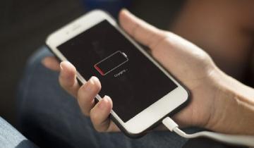 """Imagen de Cuidado: la última versión de WhatsApp se """"come"""" la batería del celular"""