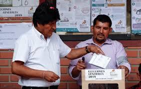 Imagen de A poco del cierre de los comicios, Bolivia continúa eligiendo a su futuro presidente