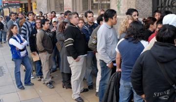 Imagen de Oficial: hay casi dos millones de desocupados en Argentina según el INDEC