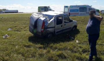 Imagen de Cinco heridos tras el vuelco de una camioneta en la Ruta 2