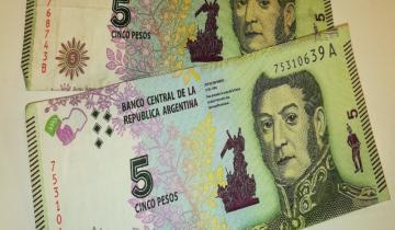 Imagen de Comienza el canje de los billetes de $ 5 de cara a su salida de circulación