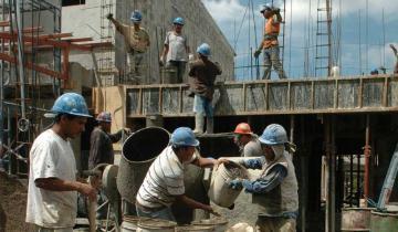 Imagen de El salario real perdió casi 9% en un año