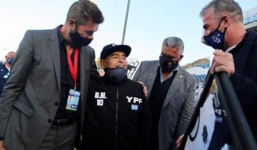 Imagen de El adiós de Diego Maradona: cuando una locutora de La Costa le dio la bienvenida en el estadio de Gimnasia en su cumpleaños 60