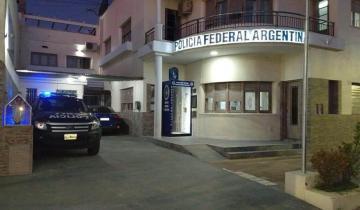 Imagen de Instalaron un puesto de desinfección en la sede de la Policía Federal de Dolores